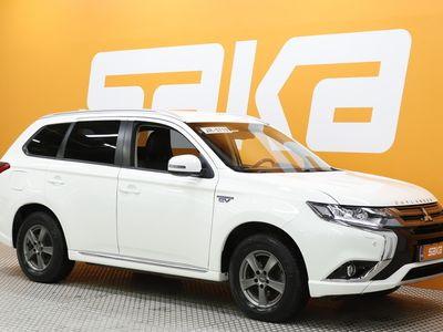 käytetty Mitsubishi Outlander P-HEV Intense Business 4WD 5P ** Merkkihuolletu / Nahka-alcantara / P. tutkat / Keyless / Koukku **