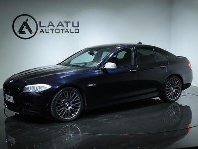 käytetty BMW M550 d A xDrive F10 Sedan *0% KORKO! *M-sport * Shadowline *Virtuaalimittaristo * Comfort penkit muisteilla