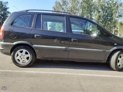 käytetty Opel Zafira 1,6 7 Paikainen