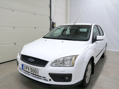 käytetty Ford Focus 1,6 100hv Ambiente 5d