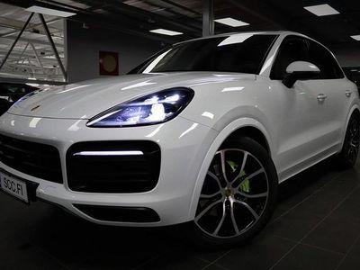 käytetty Porsche Cayenne E-Hybrid, Aktiivi Cruise, SportDesign keula, Panorama, Ilmajousitus, Istuintuuletus, Surround View,.