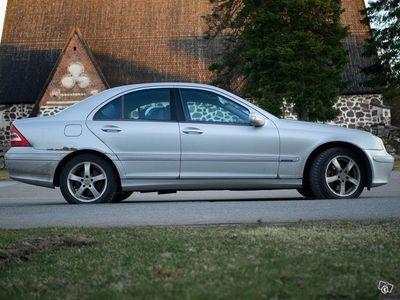 käytetty Mercedes C320 vm.2000 *vaihtokin