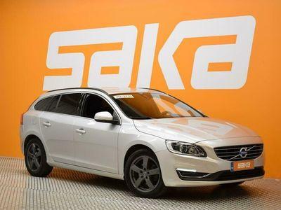 käytetty Volvo V60 D3 Momentum aut ** Merkkihuollot / Webasto / On Call / Ratin lämmitys / City Safety **