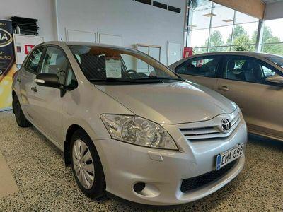 käytetty Toyota Auris 1,4 D-4D DPF Linea Terra 5ov *2.om / Merk.h-kirja / Webasto puhelimella / Ilmastointi*