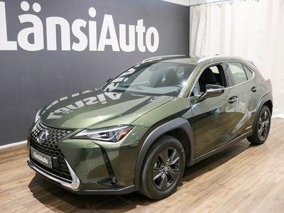 käytetty Lexus UX 250h Launch Edition**Navi,Adapt.vakionopeudensäädin,Peruutuskamera** **** LänsiAuto Safe -sopimus hintaan 590€. ****