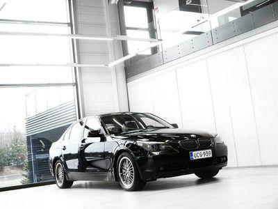 käytetty BMW 530 i Sedan + Nahat + Navi + Xenon + Tutkat