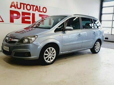 käytetty Opel Zafira 1.8 Cosmo 5d
