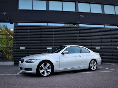 käytetty BMW 325 E92 Coupé Suomiauto, 10v samalla omistajalla, täydellinen huoltokirja, siisti!