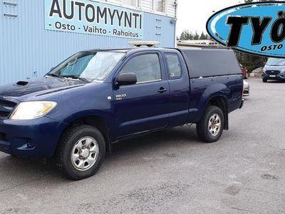 käytetty Toyota HiLux 2.5 D4D 120 4wd DLX Extra Cab Farmikate, lohkolämmitin, ilmastointi sis alv 24 %