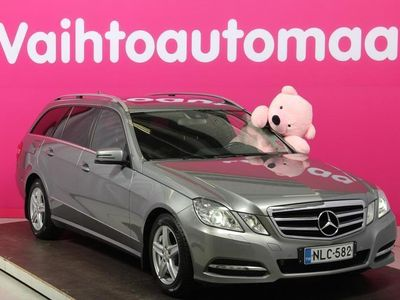 käytetty Mercedes E220 CDI BE T A * Avantgarde / Sähköinen takaluukku / Tutkat / Navi / Kattoluukku