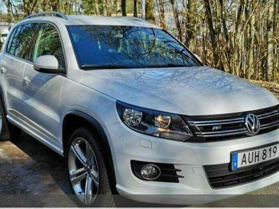 käytetty VW Tiguan 1.4TSI 4Motion R-Line - Bluetooth, Urheilulliset etuistuimet