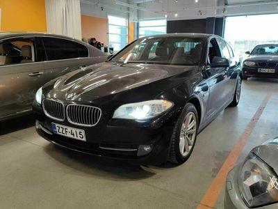käytetty BMW 520 Sport A F10 Sedan Business ** Suomiauto / Sporttipenkit / P-tutkat / BT / Juuri tullut **