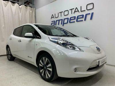 käytetty Nissan Leaf MY16 30kWh Tekna * 6,6 kW laturi * Kahdet renkaat * Cold Climate * Bose Audio * Cruise * Nahat *