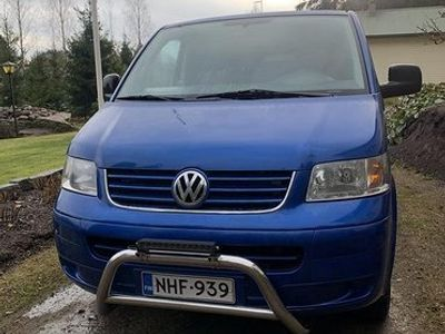 käytetty VW Transporter 2007 pitkä 2.5TDI