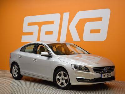käytetty Volvo S60 D3 Business Summum Edition aut Nahat, Muistipenkki, Xenon valoisa upea sisusta. Suomiauto ,