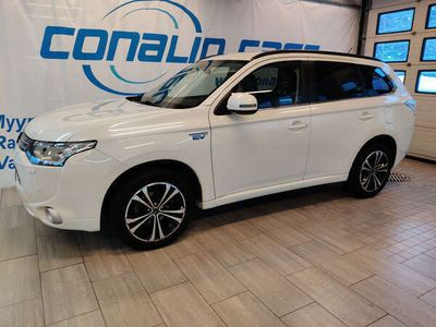 käytetty Mitsubishi Outlander P-HEV 2.0 4WD Executive, peruutuskamera, navigaattori, Siisti!