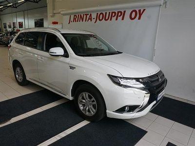 käytetty Mitsubishi Outlander P-HEV Intense Plus 4WD 5P VETOKOUKKU!! NAHKASISUSTA!!