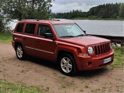 käytetty Jeep Patriot 4x4 2.0 CRD Limited - uudet renkaat