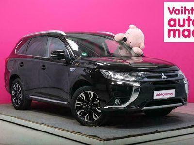 käytetty Mitsubishi Outlander P-HEV Instyle Navi 4WD 5P #Nahat #360-kamera #Vetokoukku #Keyless #Xenon+LED