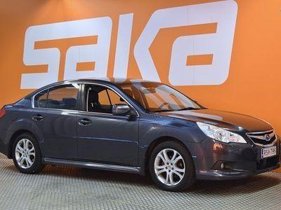 käytetty Subaru Legacy 2,5i VA CVT ** Suomi-auto / Sähkösäätöinen kuskin istuin / Koukku / Vakkari / Rattivaihteet **