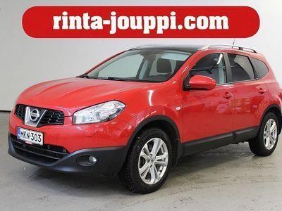 käytetty Nissan Qashqai +2 2,0dCi DPF Acenta 4WD A MY11 - Punainen herkku! 4WD / panoraama / bluetooth !