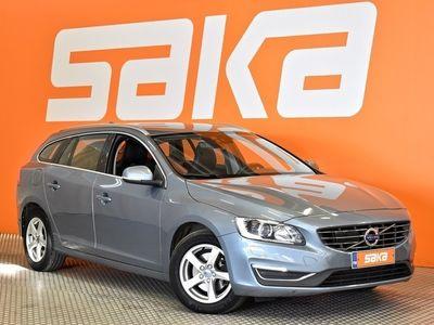 käytetty Volvo V60 CC D4 Business Classic Summum aut ** Merkkihuollettu / A / Webasto / P-tutka / Aktiivi Bi-Xenon / Nahat / Bluetooth **