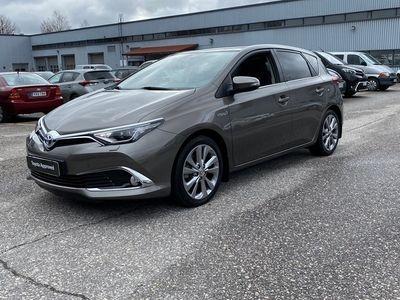 käytetty Toyota Auris 1,8 Hybrid Premium, Suomiauto, Panoraama, 12kk Approved turva,