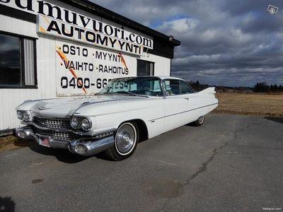 käytetty Cadillac Coupé DeVille MUSEOKATSASTETTU 01/20