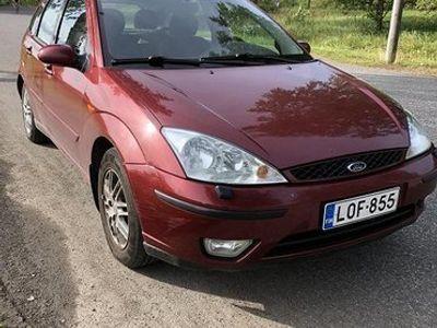 käytetty Ford Focus Ghia 2002. 1.6 bens. 5 door