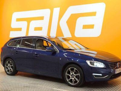 käytetty Volvo V60 D3 Ocean Race aut ### NORMAL FRIDAY -hinta! ### ** Navi / Kattoluukku / Digimittaristo / Nahat / ALV