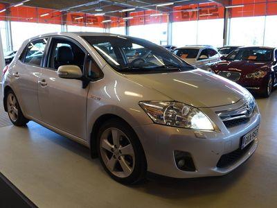 käytetty Toyota Auris 1,8 HSD Linea Sol Plus + Luxury-paketti ** Suomi-auto / Pkamera / Vakkari / Avaimeton käyttö / Aut.ilmastointi **