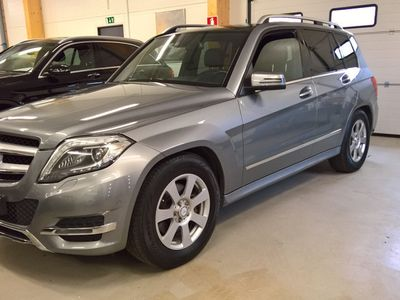 käytetty Mercedes GLK250 BLUETEC 4MATIC Automaatti MM. XENON ILS, LASIKATTO, VETOKOUKKU, NAHKASISUSTA YM.
