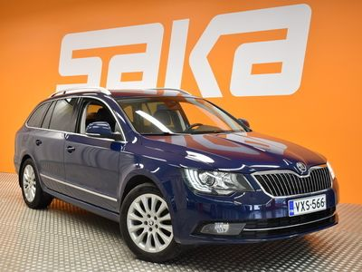 käytetty Skoda Superb Combi 2,0 TDI 140 Elegance Edition DSG Autom. ** Suomi-auto / Webasto / Navi / Kessy / Nahka-alcantara / Xenon-valot **
