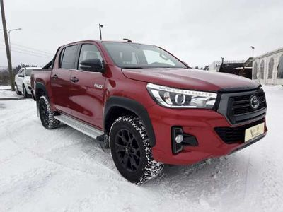 käytetty Toyota HiLux Double Cab 2,4 D-4D 150 4WD Red Black Edition