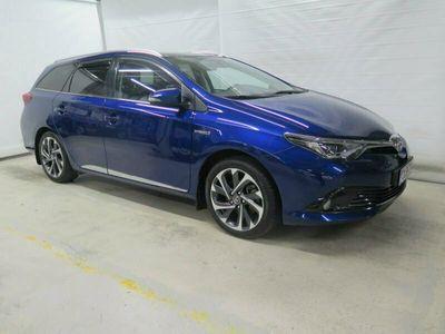 käytetty Toyota Auris Touring Sports 1,8 Hybrid Style (Panoraamakatto)