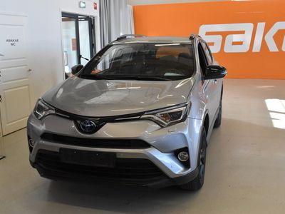 käytetty Toyota RAV4 2,5 Hybrid AWD Premium ** Navigointi / Vetokoukku / Kaistavahti **