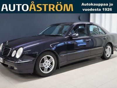 käytetty Mercedes E240 (170 hv) Automaatti Sedan Avantgarde *Suomi-auto* *Huippuhieno*