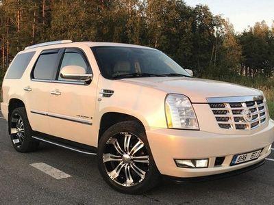 käytetty Cadillac Escalade 10/2007 6,2 301kw. 226 000km