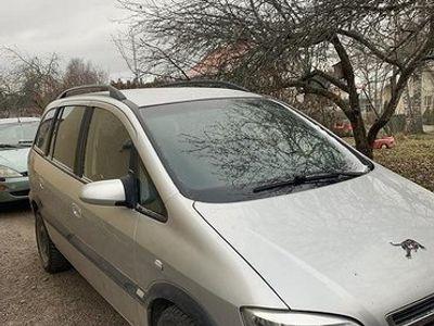 käytetty Opel Zafira 1.6 comfort 5d(ei tiilekennekelpoinen)