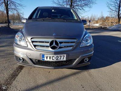 käytetty Mercedes B180 2010 Aj. vain 40000km