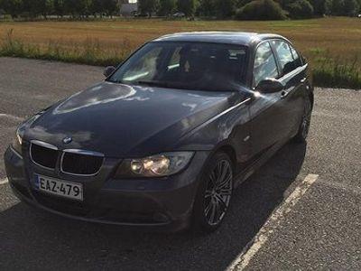 käytetty BMW 320 i - E90 2.0 Sedan