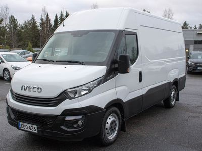 käytetty Iveco Daily 35S14V L3H2 12m3 3520L 2,3 100kW M6 **** LänsiAuto Safe -sopimus hintaan 590€. ****