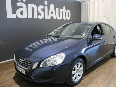 käytetty Volvo S60 T3 Kinetic **** LänsiAuto Safe -sopimus hintaan 590e ****