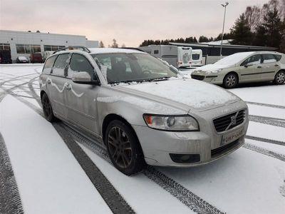 käytetty Volvo V50 2,0D Momentum Business **XENONIT, KEYLESS YM.** *** J. kotiintoimitus, 6kk takaisinmaksurauha