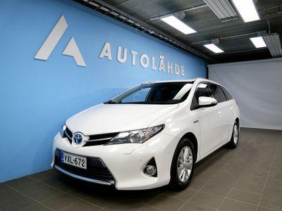 käytetty Toyota Auris 1.8 Hybrid Touring Sports KORKO: 2.95% + Kasko -30%!