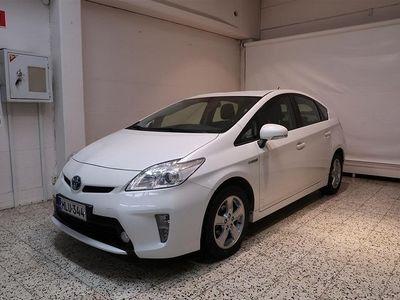 käytetty Toyota Prius HSD Linea Sol 5ov