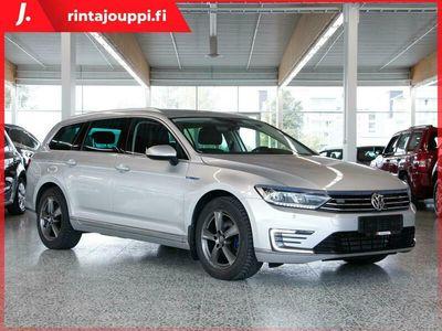 käytetty VW Passat Variant GTE Plug-In Hybrid 160 kW (218 hv) DSG *P-lämmitin *Koukku *Adapt vak säädin *** J. autoturv