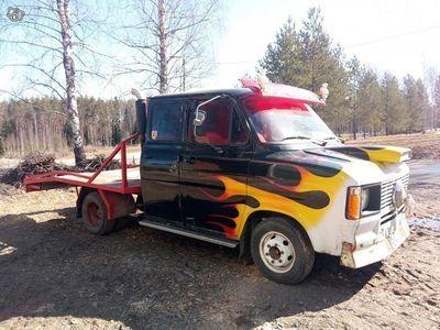 käytetty Ford Transit autonkuljetusauto