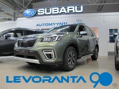 käytetty Subaru Forester 2,0i e-Boxer Active CVT sis. Metallinväri ja toimituskulu