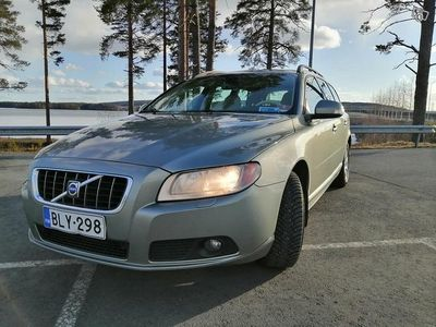 käytetty Volvo V70 2.4d aut 2008